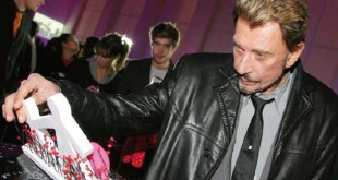 SIGN7-Meeting-D6-Johnny Hallyday S70510147-001